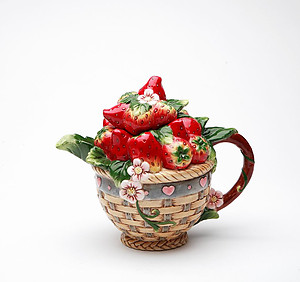 Porcelain Decorative Strawberry Teapot