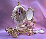 Musical Wedding Gold Carriage Egg
