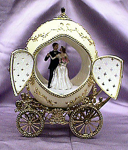 Wedding Carriage Musical Ostrich Egg