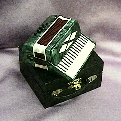Accordion MM801B