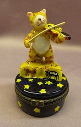 Cat and Fiddle Limoge Style Trinket Box  #1250