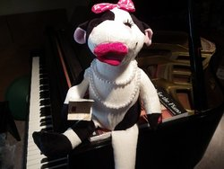 Animated Musical Singing Cow #Bessy