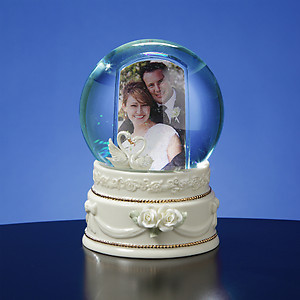 Double Swan Photo Frame Waterglobe  #50421 Globe