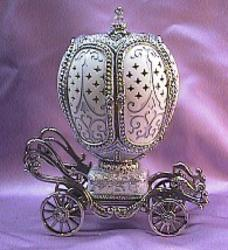 Exquisite Music Box Bride & Groom Silver Wedding Carriage